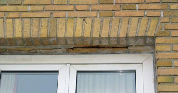 Revner ved overliggere over vinduer og døre