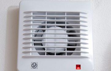 Sådan rengør du ventilator og aftræk på badeværelset