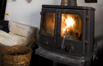 Brænde til brændeovne og pejse