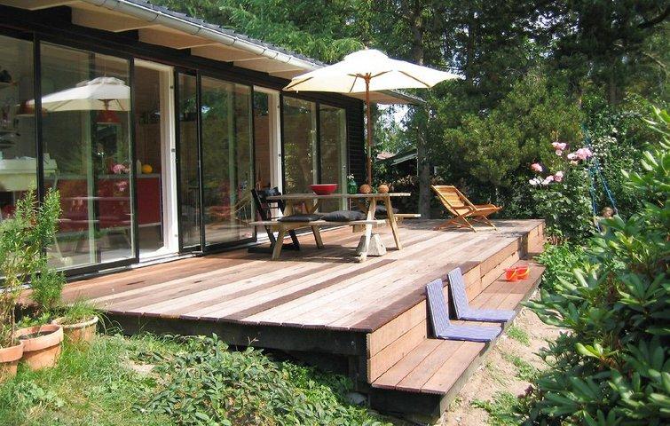 Terrasser er efterhånden blevet en naturlig del af boligen. De bruges ...