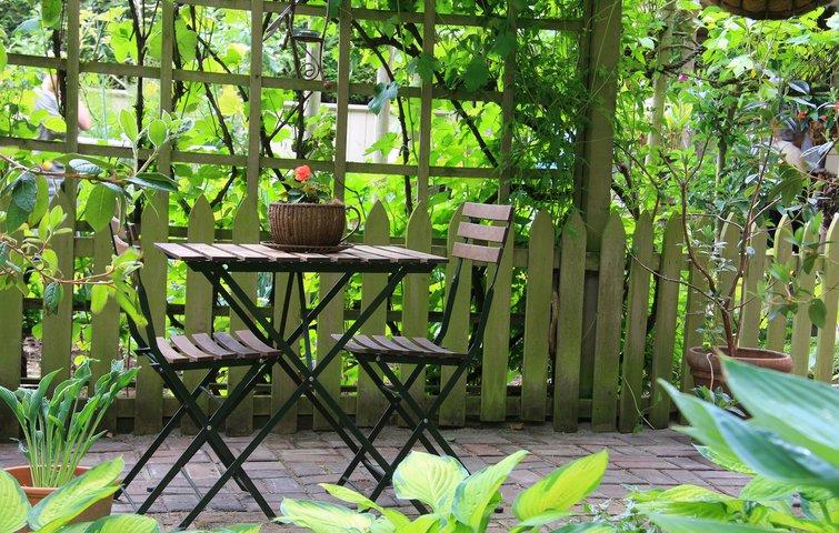 Hvor opbevarer du dine ting til terrassen om sommeren?