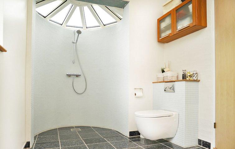 7 gode råd til at spare penge på brusebadet