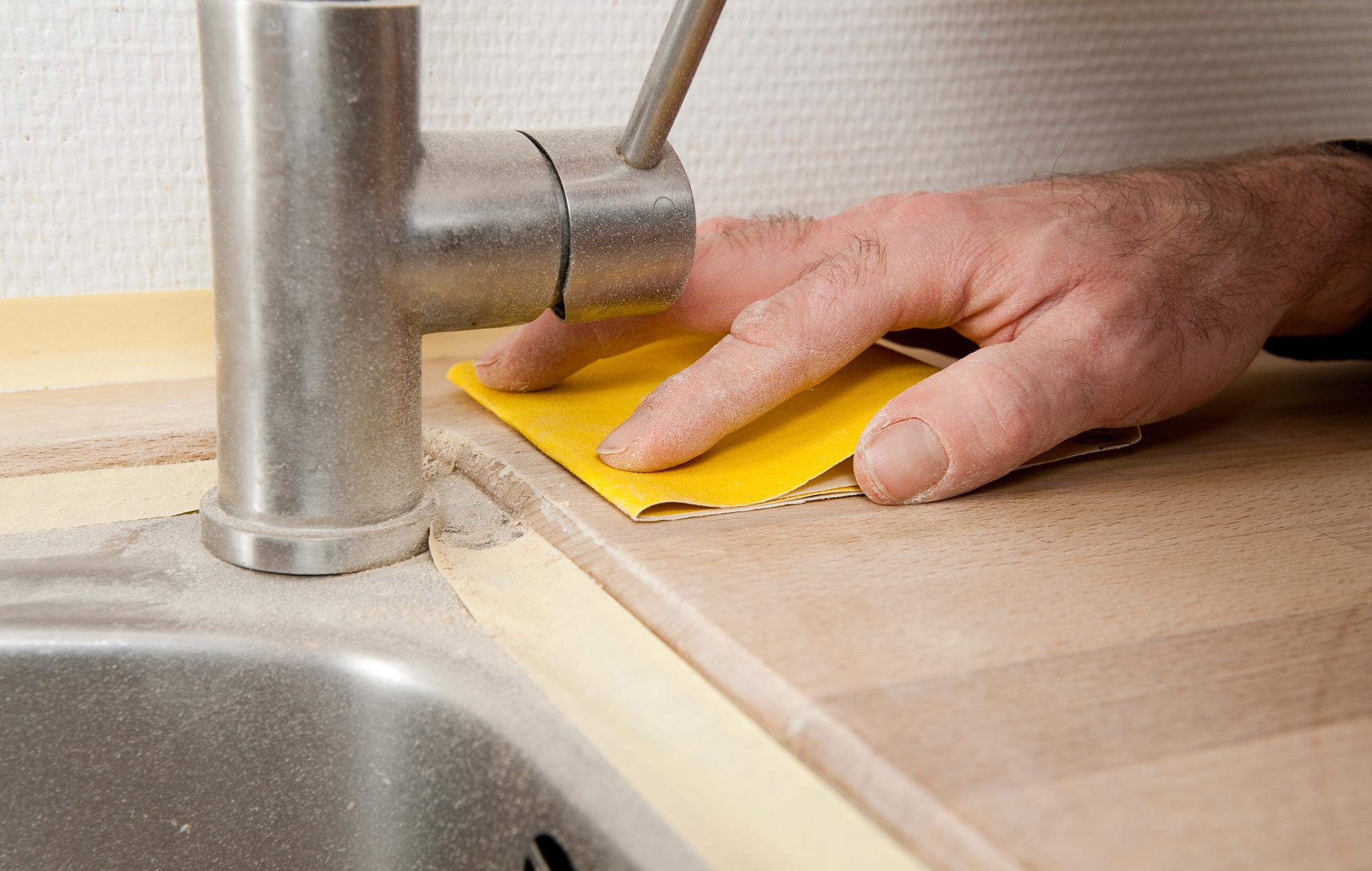 #C29909 Dette års Gør Det Selv Sådan Sliber Du Køkkenbordspladen Gør Det Selv Væghængt Toilet 6321 200012706321