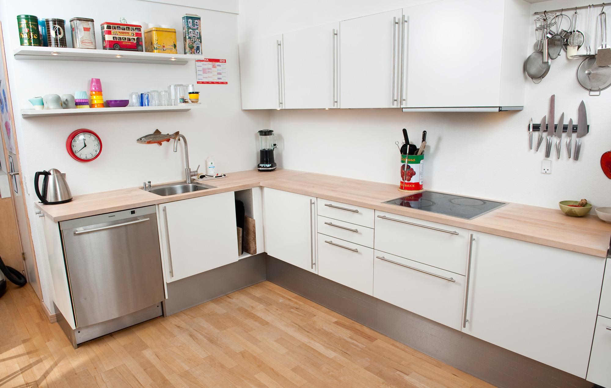 #AA2125 Dette års Gør Det Selv Sådan Sliber Du Køkkenbordspladen Gør Det Selv Køkkenbordplade 5601 200012705601