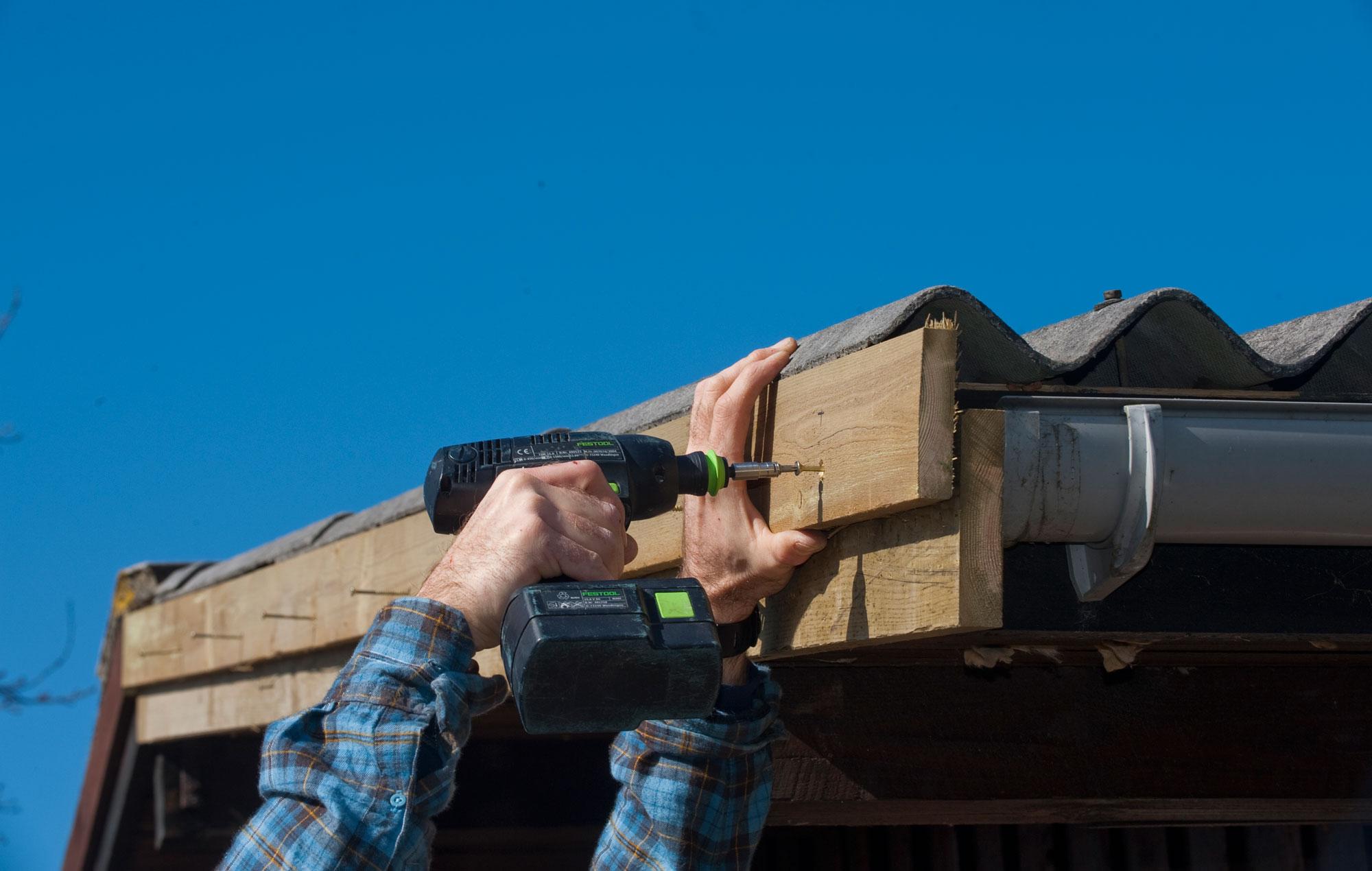 #0276B5 Dette års Gør Det Selv Skift Vindskeden Gør Det Selv Træbeskyttelse 6211 200012706211