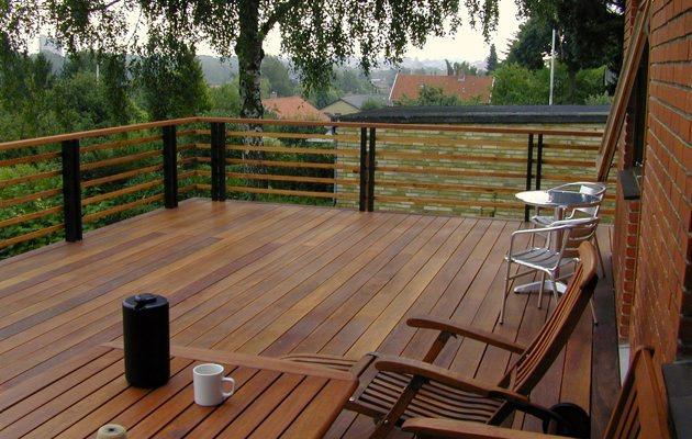 Udendørs Terrasse : Terrasser af tr u00e6 u2013 Vand i et almindeligt hus